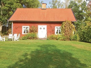 Amazing home in Tjällmo w/ 2 Bedrooms (S09012)