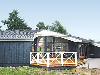 Nice home in Rodby w/ Sauna, WiFi and 3 Bedrooms