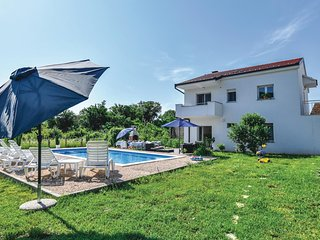 Amazing home in Prolozac Donji w/ WiFi and 4 Bedrooms (CDF545)