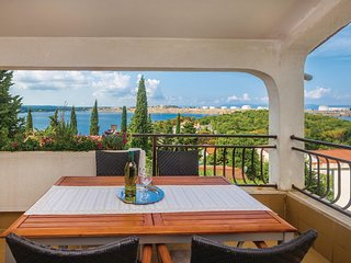 Stunning home in Omisalj w/ WiFi and 2 Bedrooms