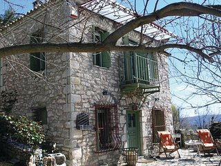 Stunning home in Peloponnese w/ 2 Bedrooms