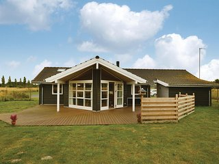 Awesome home in Rodby w/ Sauna, WiFi and 3 Bedrooms