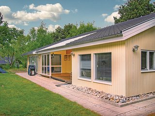 Nice home in Rodby w/ Sauna, WiFi and 2 Bedrooms