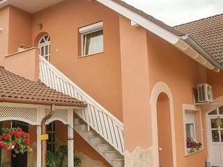 Beautiful home in Koroshegy w/ WiFi and 4 Bedrooms