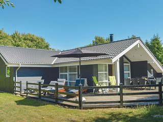 Awesome home in Toftlund w/ Sauna, WiFi and 3 Bedrooms