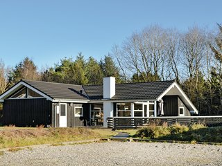Nice home in Toftlund w/ Sauna, WiFi and 4 Bedrooms