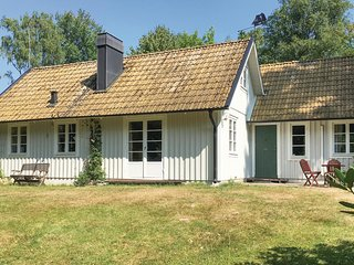 Awesome home in Vittsjö w/ 3 Bedrooms