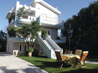 Stunning home in Kamares Aigio Pel. w/ WiFi and 4 Bedrooms