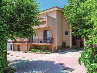 Nice home in Kastel Stari w/ WiFi and 3 Bedrooms