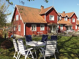 Awesome home in Immeln w/ WiFi and 4 Bedrooms (S11067)