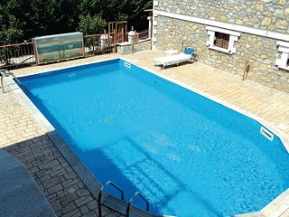 Nice home in Paralio Astros w/ Outdoor swimming pool and 2 Bedrooms