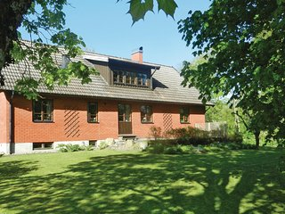 Stunning home in Munka Ljungby w/ 2 Bedrooms