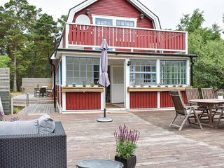 Awesome home in Hollviken w/ WiFi and 4 Bedrooms