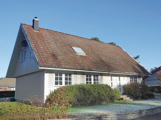 Amazing home in Åhus w/ 3 Bedrooms