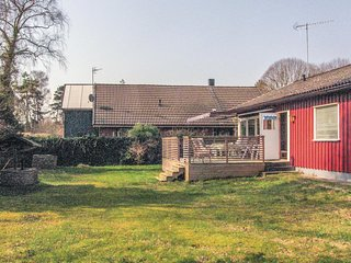 Amazing home in Beddingestrand w/ 2 Bedrooms