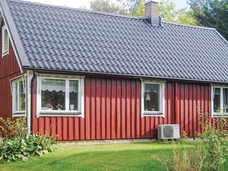 Beautiful home in Munka-Ljungby w/ 2 Bedrooms