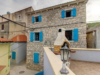 Beautiful home in Susak w/ WiFi and 1 Bedrooms
