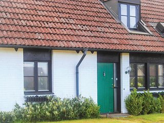 Awesome home in Båstad w/ WiFi and 4 Bedrooms