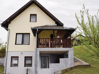 Awesome home in Tamási w/ 3 Bedrooms