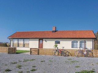 Amazing home in Glemmingebro w/ Sauna, WiFi and 2 Bedrooms