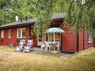 Beautiful home in Hjarnarp w/ Sauna and 3 Bedrooms