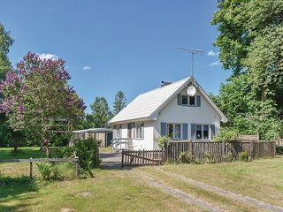 Amazing home in Munka Ljungby w/ 1 Bedrooms