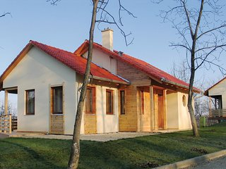 Stunning home in Szólád w/ WiFi and 3 Bedrooms