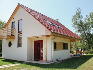 Nice home in Szólád w/ WiFi and 5 Bedrooms