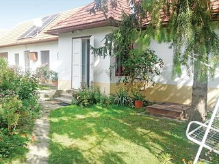 Nice home in Szólád w/ WiFi and 2 Bedrooms