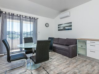 Amazing home in Split w/ WiFi and 2 Bedrooms
