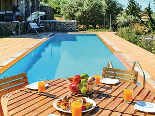 Awesome home in Perdika w/ WiFi and 6 Bedrooms
