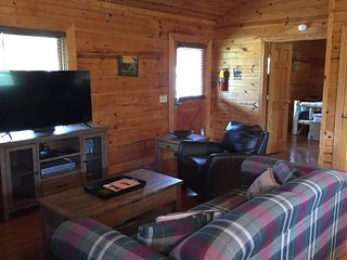 Best Reviewed Cabin In The Smokies. Unbeatable Location, Super Clean!