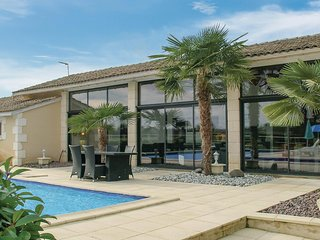 Nice home in Gardonne w/ Outdoor swimming pool, WiFi and 2 Bedrooms
