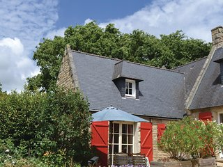 Awesome home in Tregunc w/ WiFi and 1 Bedrooms