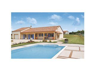 Nice home in Chapelle Aubareil w/ 3 Bedrooms