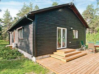 Nice home in Lärbro w/ 3 Bedrooms