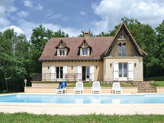 Stunning home in Savignac-Ledrier w/ WiFi and 4 Bedrooms