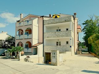Amazing home in Porec w/ WiFi and 2 Bedrooms (CIE620)