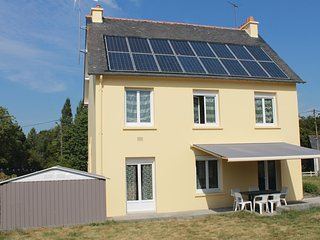 Nice home in Roz-Landrieux w/ WiFi and 3 Bedrooms