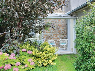 Beautiful home in Saint Malo with 2 Bedrooms (FBI027)
