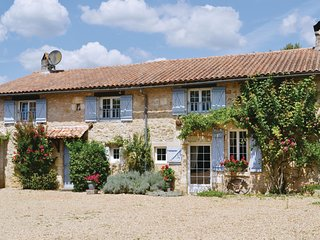 Stunning home in La Chapelle Faucher w/ WiFi and 4 Bedrooms