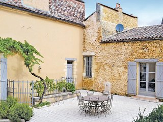 Stunning home in Sainte Alvere w/ Sauna, WiFi and 6 Bedrooms (FAD815)