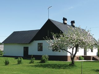 Nice home in Visby w/ 4 Bedrooms