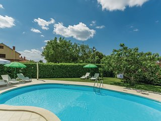 Stunning home in Porec w/ WiFi and 1 Bedrooms