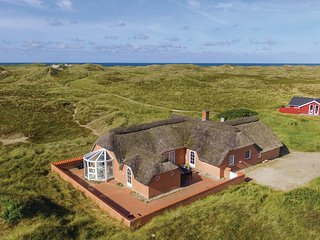 Awesome home in Ringkøbing w/ Sauna, WiFi and 5 Bedrooms