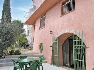 Amazing home in Castagniers w/ 1 Bedrooms