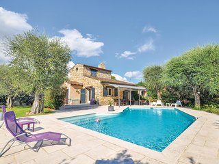 Nice home in Grasse w/ 3 Bedrooms