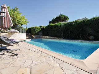 Amazing home in Mougins w/ Outdoor swimming pool and 3 Bedrooms