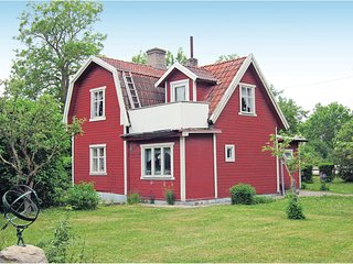 Beautiful home in Lärbro w/ 3 Bedrooms