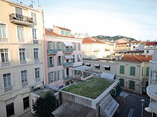 Awesome apartment in Cannes w/ 0 Bedrooms